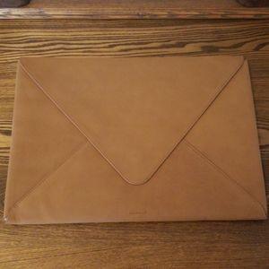 Leather Envelope Laptop Case Russell+Hazel - Camel